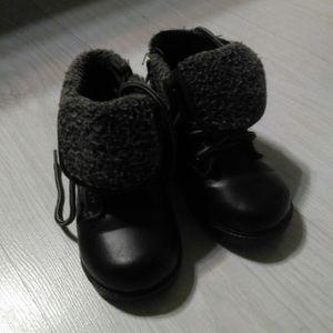 Chaussures enfants 23