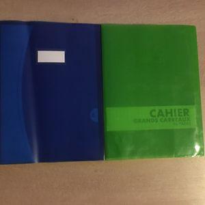 2 petits cahiers