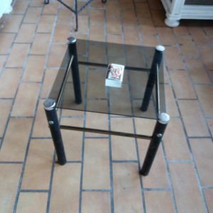 table basse verre et métal noire