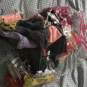 Lot vêtements fille 5/6 ans