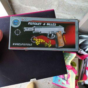 Pistolet a billes neuf