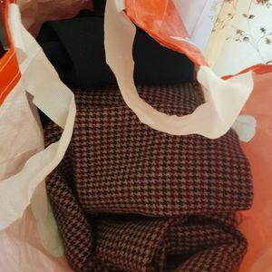 Donne 5 sacs de vêtements divers femme et enfant 2 ans
