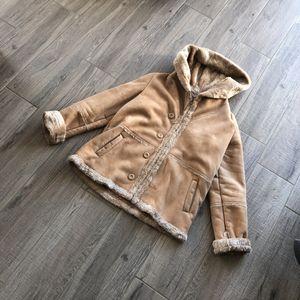 Manteau en peau synthétique