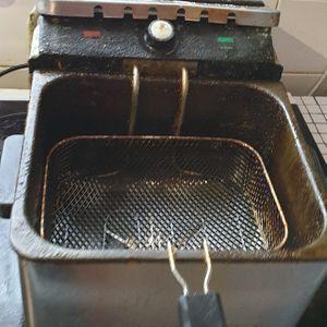 Friteuse électrique bon etat