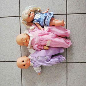 Lot de 3 poupées