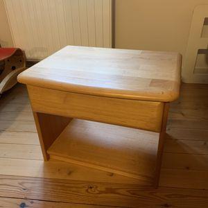 Table de nuit plaquée bois