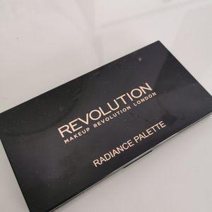 Palette make up revolution