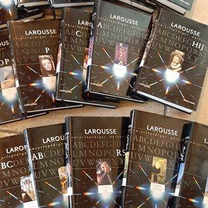 Collection  Larousse encyclopédie universelle complète