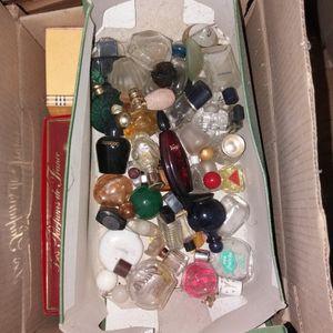 Miniatures et flacons de parfum vides