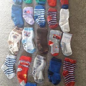 Lot chaussettes bébé et petit enfant