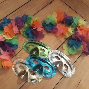 Masques et colliers fête carnaval