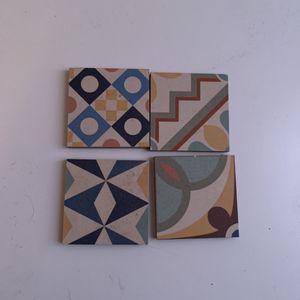 4 carreaux type carrelage