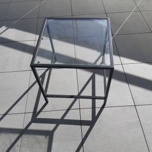 Petite table fer et verre