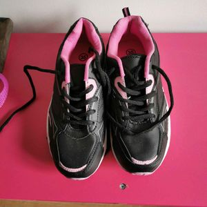 Chaussures neuves taille 35