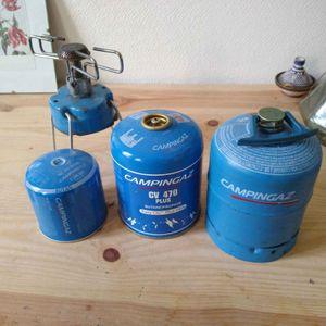 Divers bouteilles de gaz