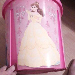 Poubelle princesse