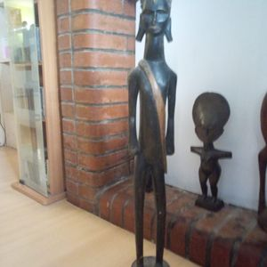 Donne grande statues africaine