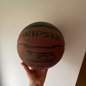Ballon de basket-ball kipsta