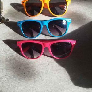 3 paires de lunettes