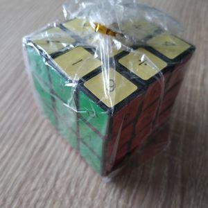 Rubik's cube casse-tête chinois