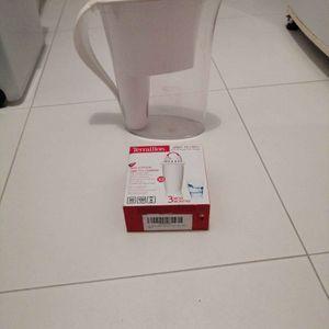Carafe d'eau filtrante + 1 cartouche filtrante