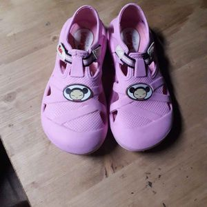 Chaussure pucca
