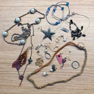 Lot bijoux dépareillés