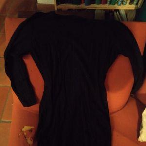 Robe pull noire ample à manches longues