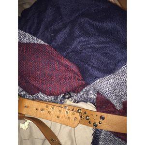 Lot d'écharpe et de ceinture