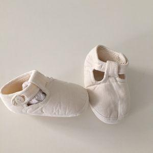 Petits chaussons été pour bébé ou pour une poupée