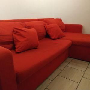 Grand Canapé rouge avec mediane