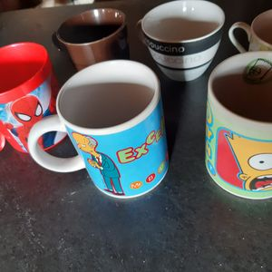 Lot de tasses et mugs