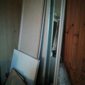 Montant d'armoire.