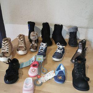 Lot chaussures et chaussettes