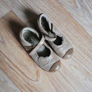 Chaussures fille taille 28