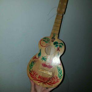 Mini guitare bois