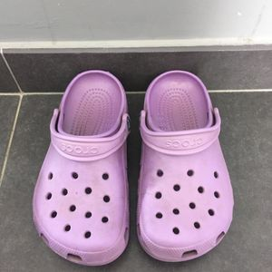 Chaussure violet crocs taille 35