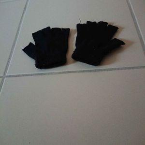 Mitaines noires