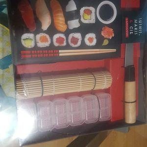 Kit à sushis et makis neuf