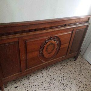 Éléments de lit anciens sculptés bois