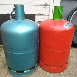 Deux bouteilles gaz butane vides