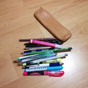 Trousse et crayons