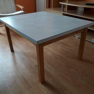 Table basse faite maison, plateau formica sur ossature sapin. 91x74x49cm