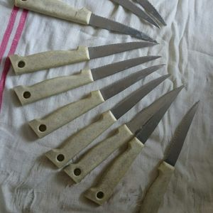 10 couteaux à steak
