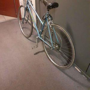 Vélo de sport vous pouvez venir  chercher  derrière pôle emploi  bollier lyon 7