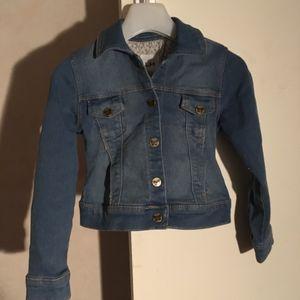 veste en jean's taille 5 ans