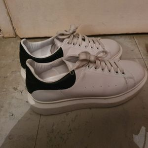 Chaussures Alexander Mcqueen taille 43