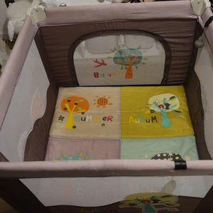 Parc bébé pliable et transportable
