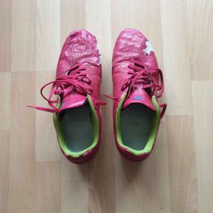 Chaussures de foot taille 45