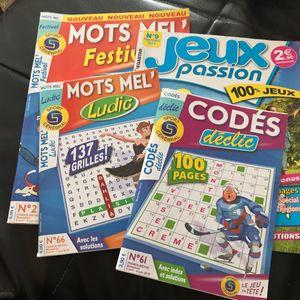 Livres avec plusieurs jeux